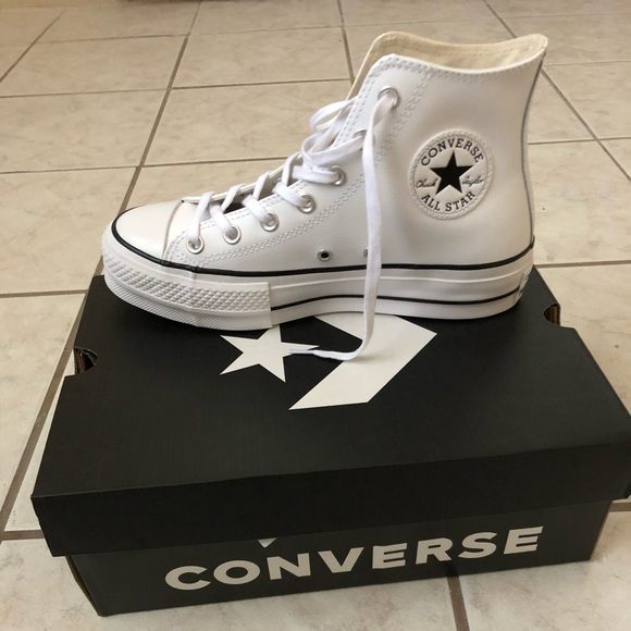 Chuck Taylor All Star Lift Clean Leather High Top NWT